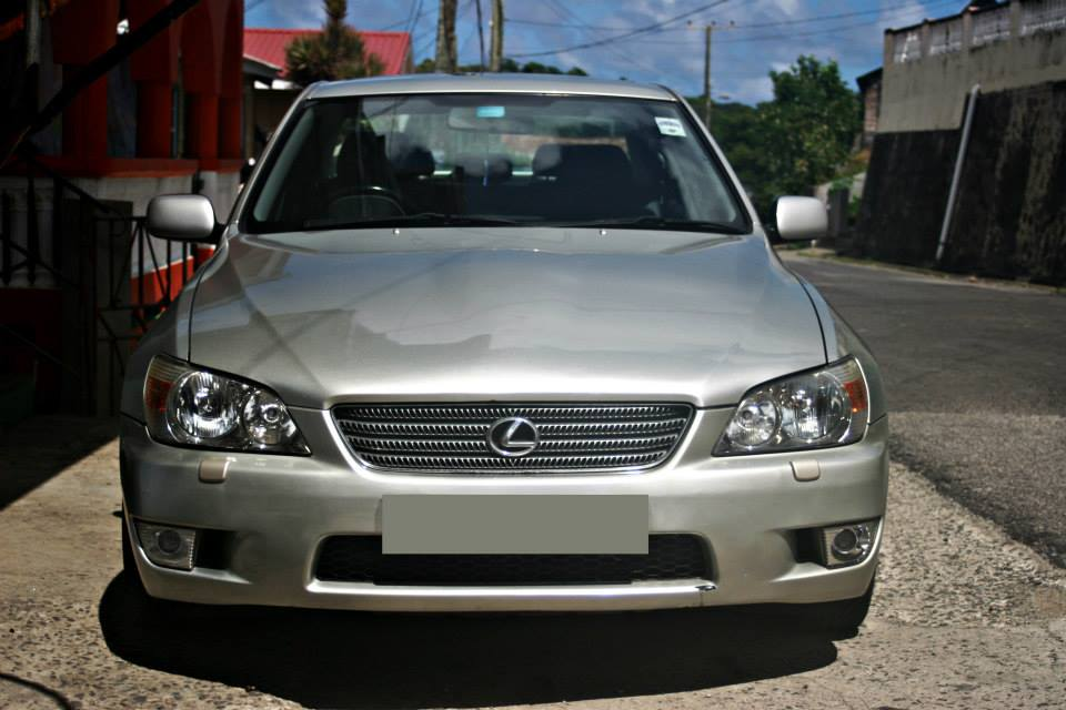 2001 Lexus IS 200