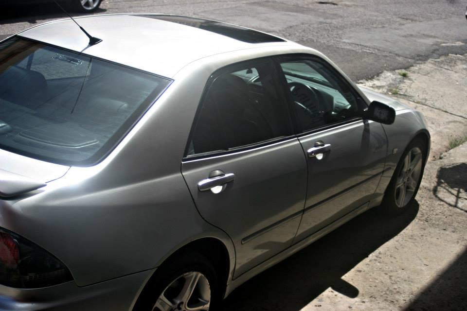 2001 Lexus IS 200 full
