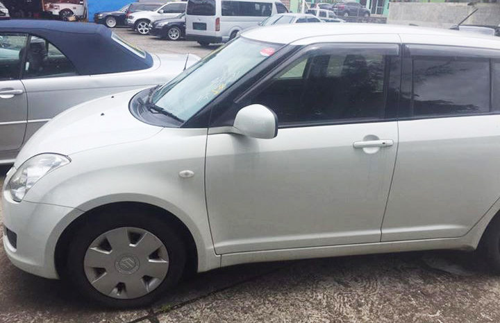 2010 Suzuki Swift full