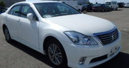 2010 Toyota Crown (Royal Saloon) Special – Import